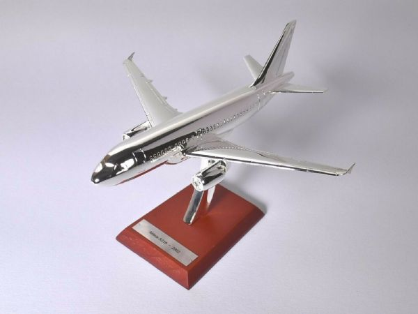 Atlas HB18 1/200 Scale Silver Aeroplane 1/200 Airbus A318 - 2002